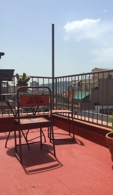 Terraza con vistas a Montjuich y Tibidabo