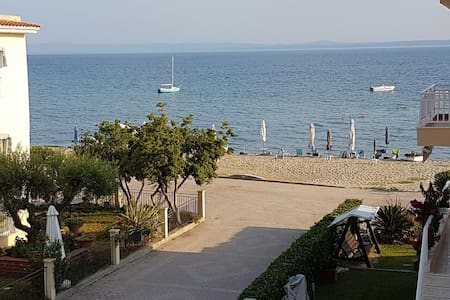 Brand new apartment in Gerakini, 10m from Beach - Wohnung