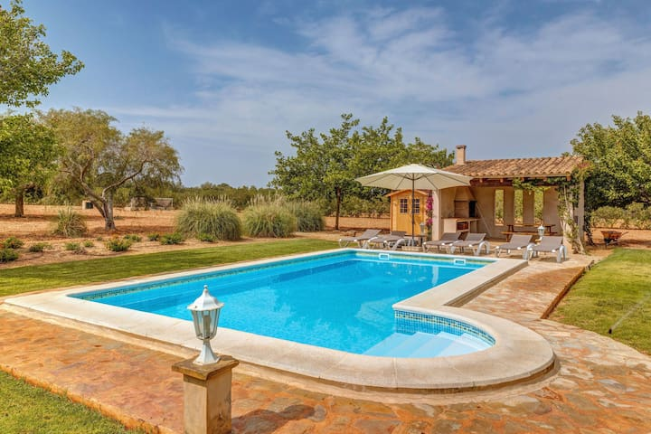 Air-Conditioned Country House with Pool, Garden, Sun Terrace & Wi-Fi; Parking Available