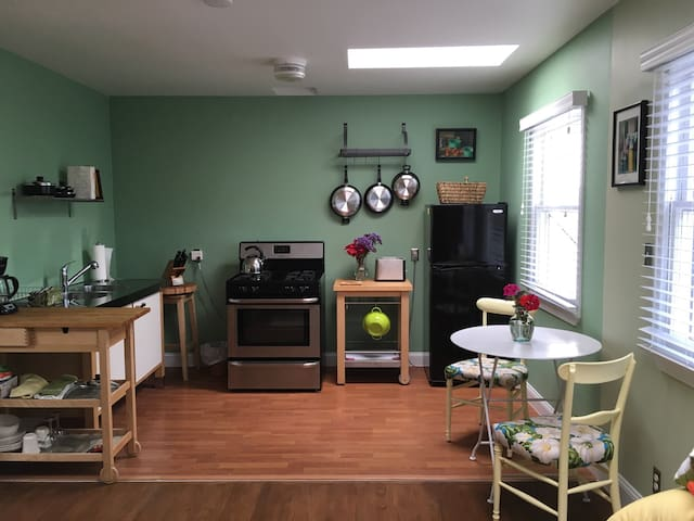 Vibrant Canals stand alone 1br - Los Angeles - Apartment