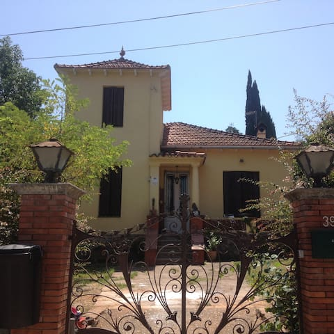 House with Garden near Barcelona. - Sant Cugat del Vallès - Huis