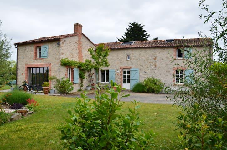 Chambres chez habitant proche Helfest - Saint-Hilaire-de-Clisson - บ้าน