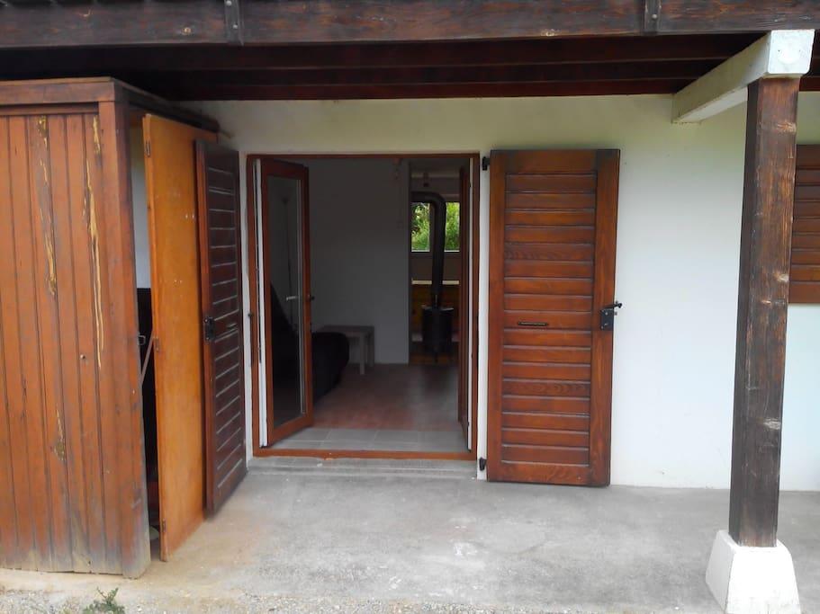 L'entrée du logement.