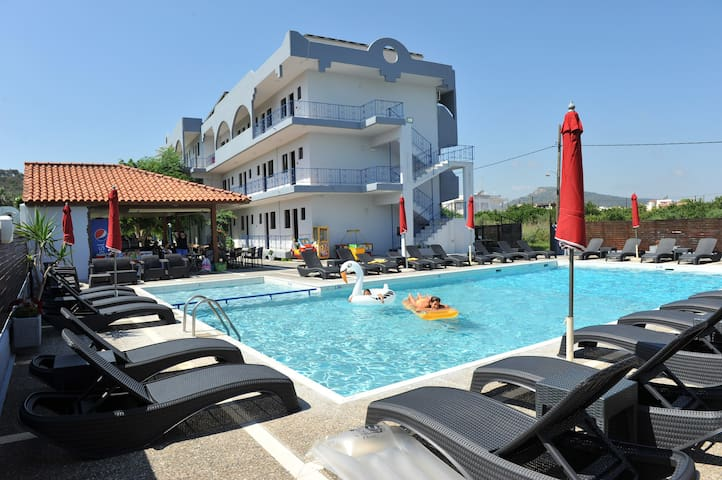 Maritime  Hotel Apartments ( Apart 1 bedroom 4pax)