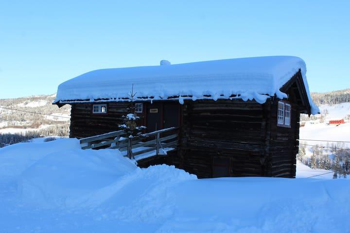 Svarteberg Trevet Traditional montainfarm cabin