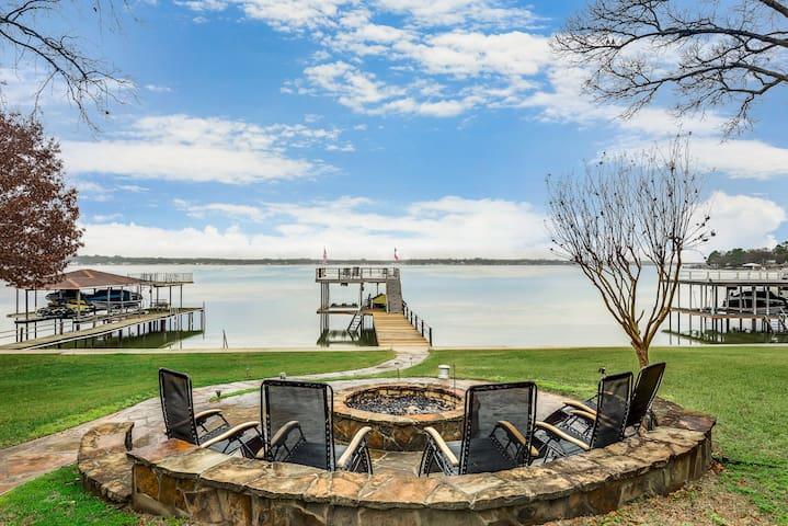 Fabulous Cedar Creek Lake House- Open Water Views!