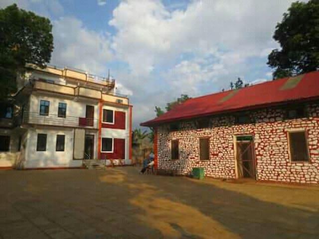 kavre farm house