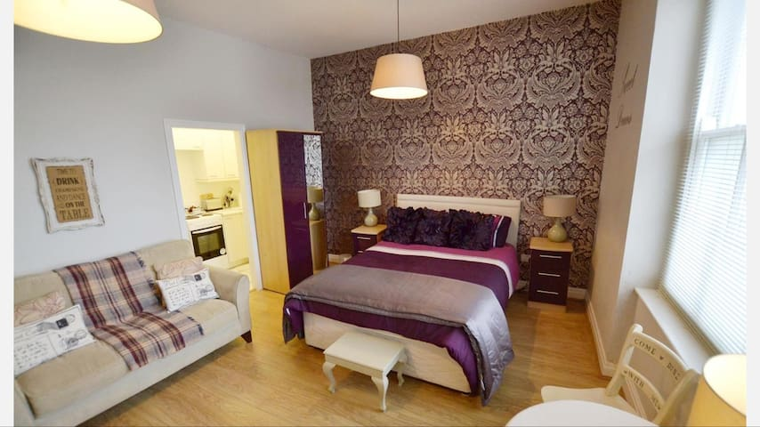 TENBY TOWN CENTRE ADULT APARTMENT