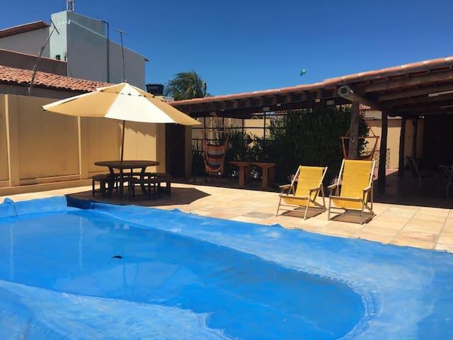 Casa com piscina no centro de Galinhos