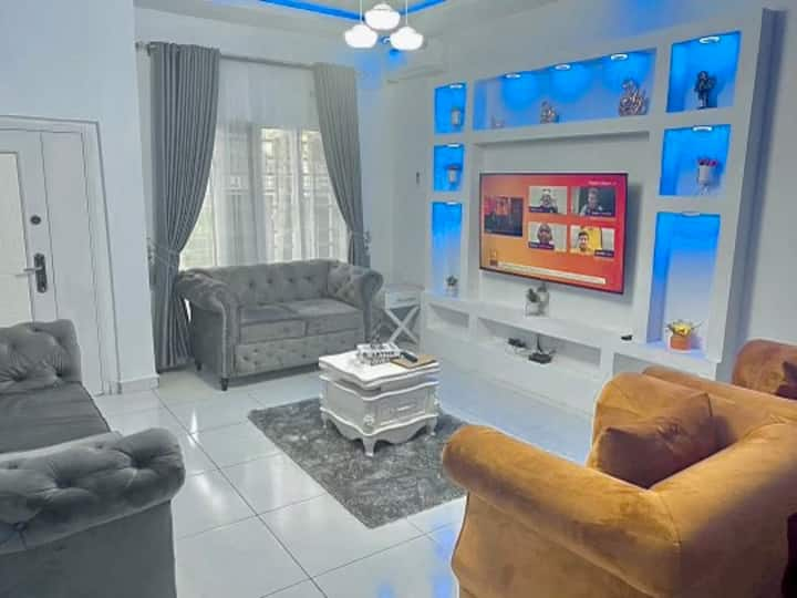 Blue reef Affordable 4 bedroom luxury apartment