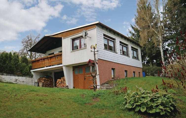 Holiday cottage with 2 bedrooms on 80 m² in Allersdorf