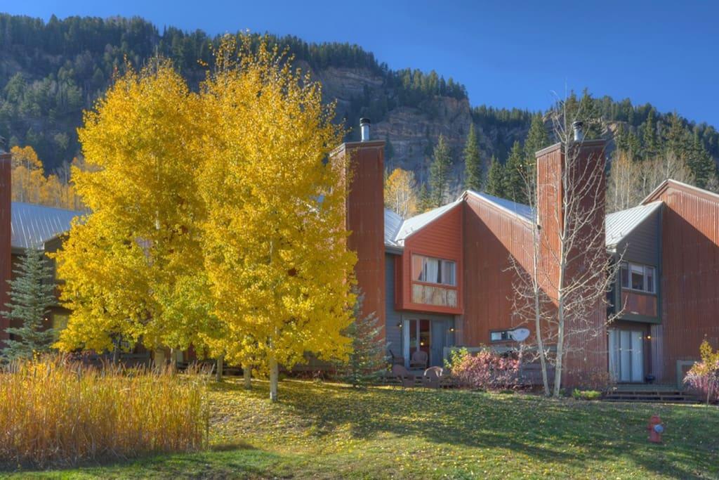 Fall color aspens at Durango Colorado vacation rental condo at Silverpick near Purgatory Resort