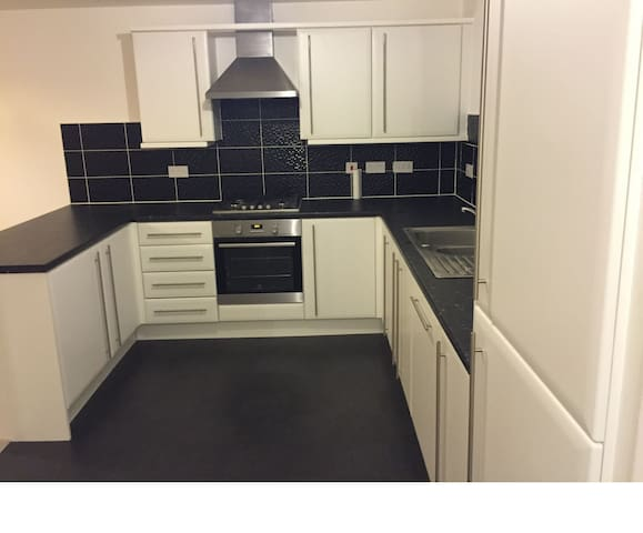 Four bedroom detahced new build - Aylesbury - Casa