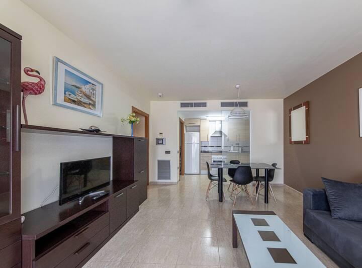 Apartamento de Dos Dormitorios con piscina y pádel