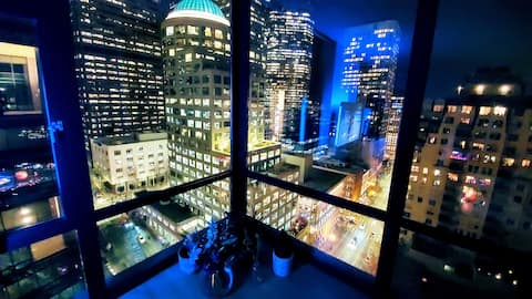 Panoramic Days in the Heart of Downtown Seattle