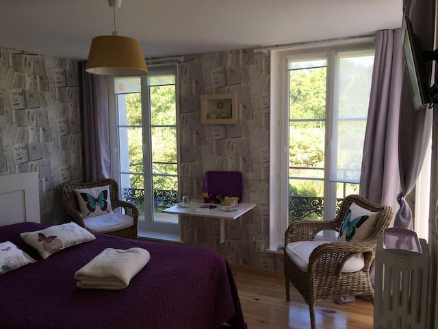 "Studio avec terrasse privative  ""Le Jardinet"""