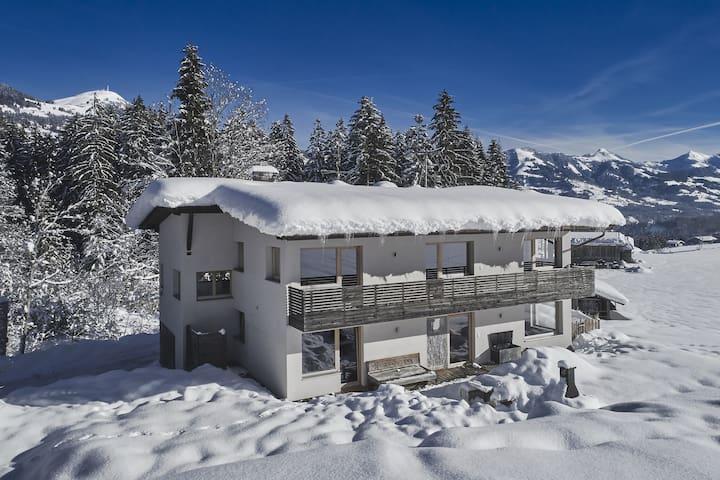 Villa moderna con piscina y sauna cerca de Hopfgarten-Westendorf