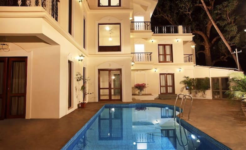 Just 300 mtr walking distance to Anjuna Beach