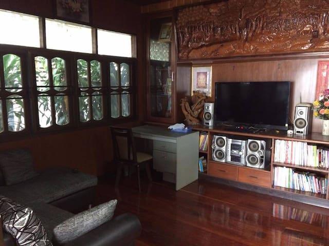 PaiZen custom teak house in Pai City Center! - Tambon Wiang Tai - Hus