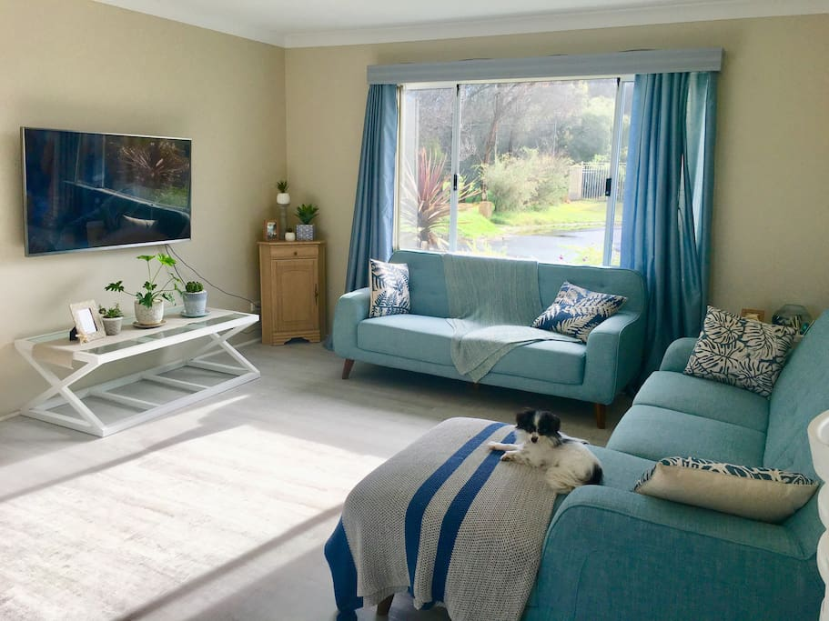 Light, bright and airy living room. Perfect for reading a book, chilling out or watching Netflix. Wifi available, BYO laptop for watching Netflix in your own bedroom during your stay!
