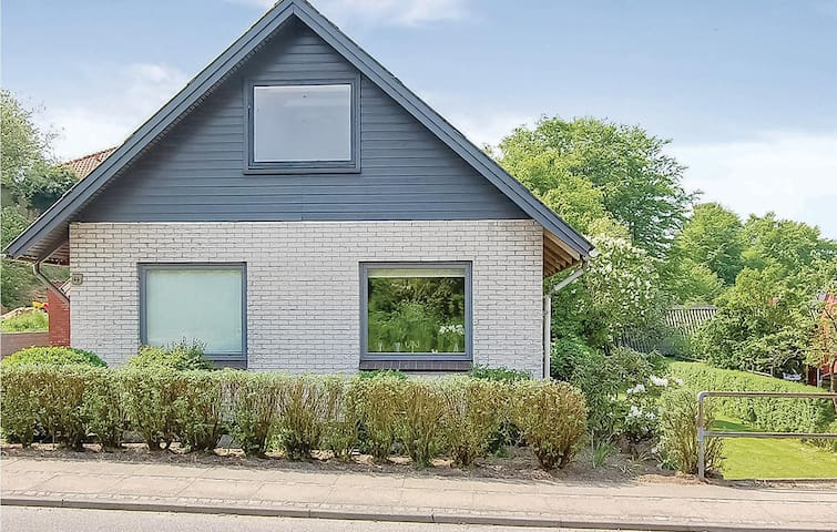 Holiday cottage with 5 bedrooms on 204m² in Fredericia