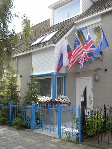 Mediterranean Style Home With Rustic Elegance - De Kwakel - Dom