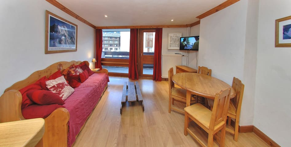 Cozy apartment, entirely renovated, close to the slopes and the center