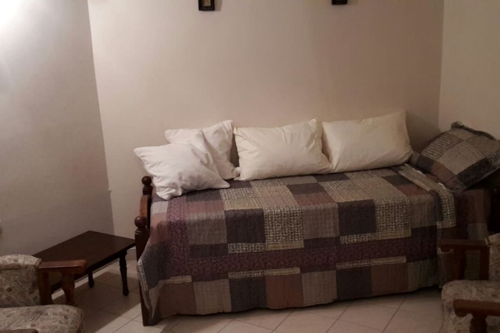 Living: sofá cama y marinera