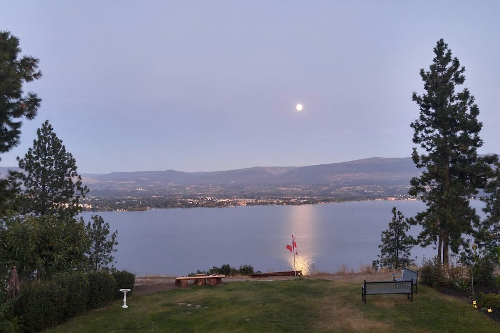 Moon rise over the Lake from your suite