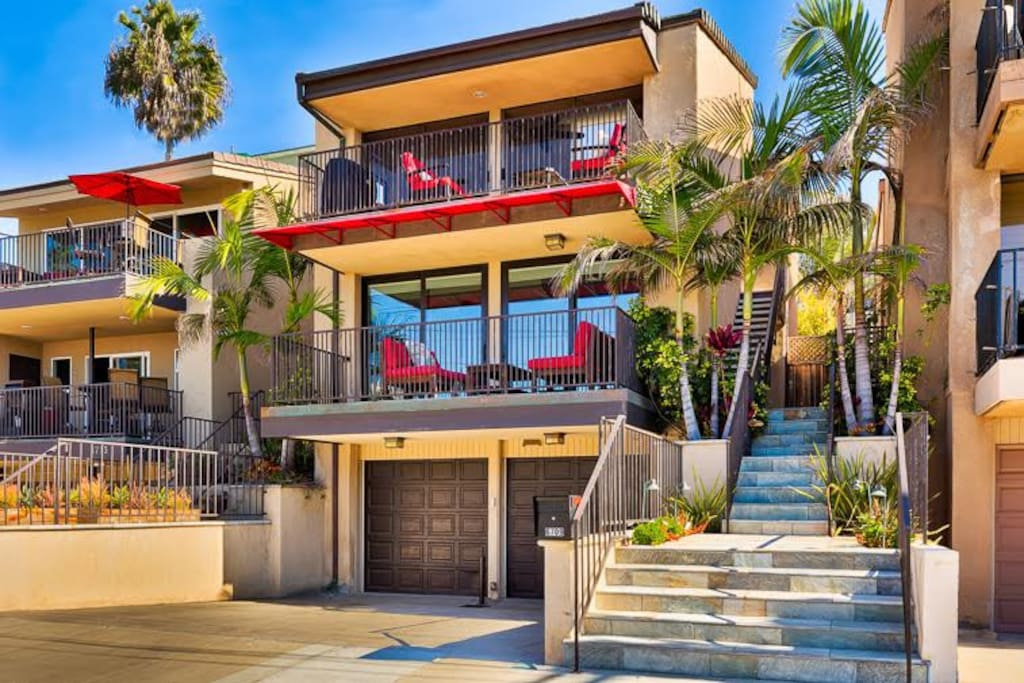 Welcome to Vista del Mar! Your unit will be on the second floor of this unit.