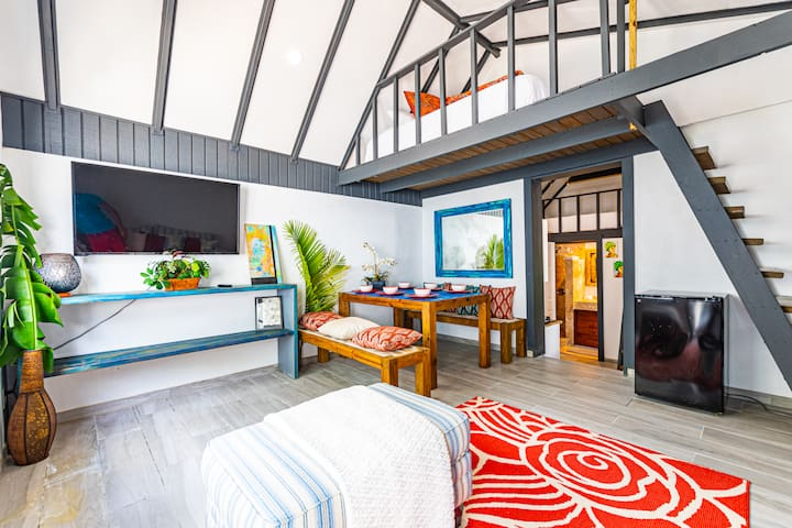 Saunders Beach Bahamian Cottage 2 BR