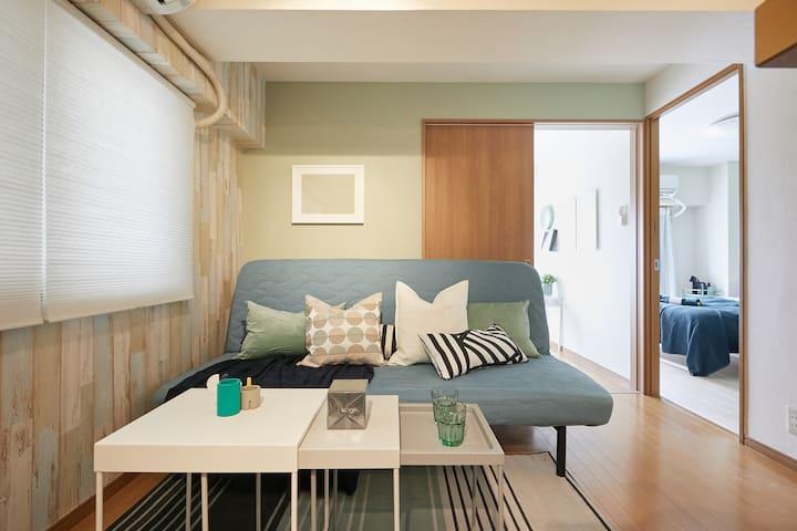 设计师精心设计公寓、新宿中心区域、新宿站直达3分钟、新大久保车站步行3分钟、可步行到新宿逛街#401