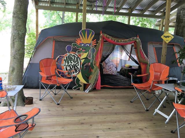 Alligator Glamping Tent - Louisiana Cajun Mansion