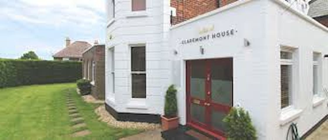 Suites @ Claremont House - Sandown - Appartement