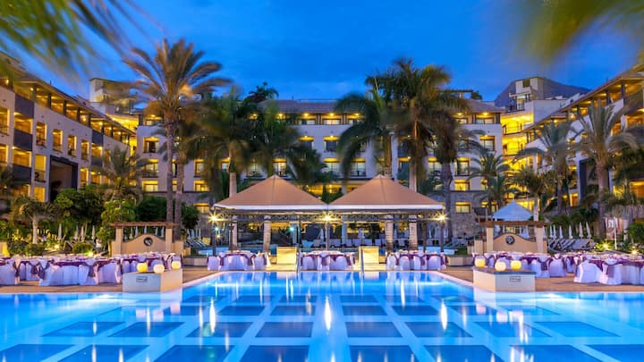 HOTEL & VACATION PKGS SPECIALS ANYWHERE/ANYDAY