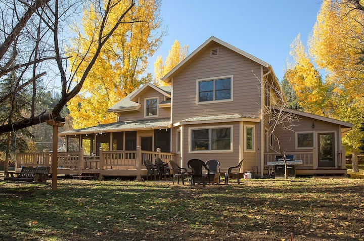 Family Style Home On the Creek in Payson, Arizona