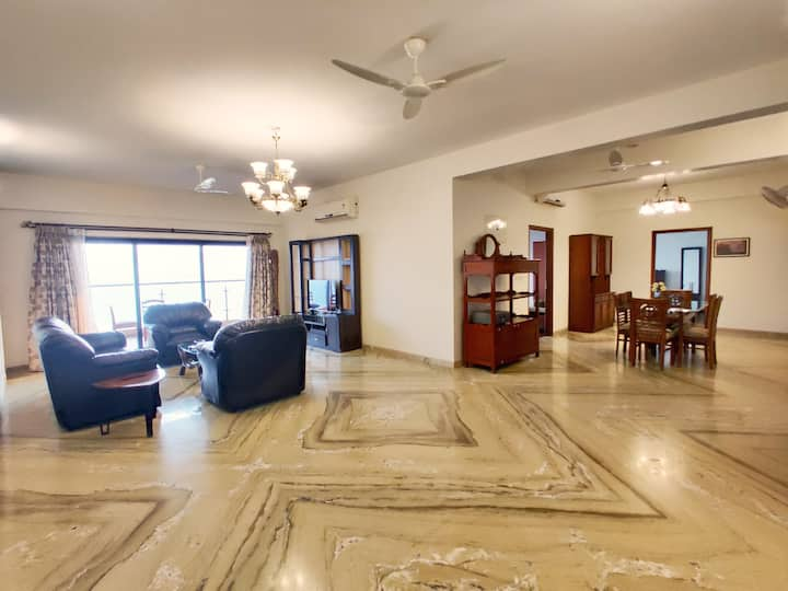 3bhk Sea facing beautiful apartment in Dona Paula