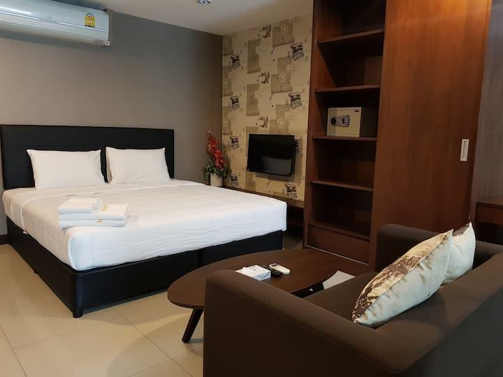 Pattaya Escape inn (suite room)