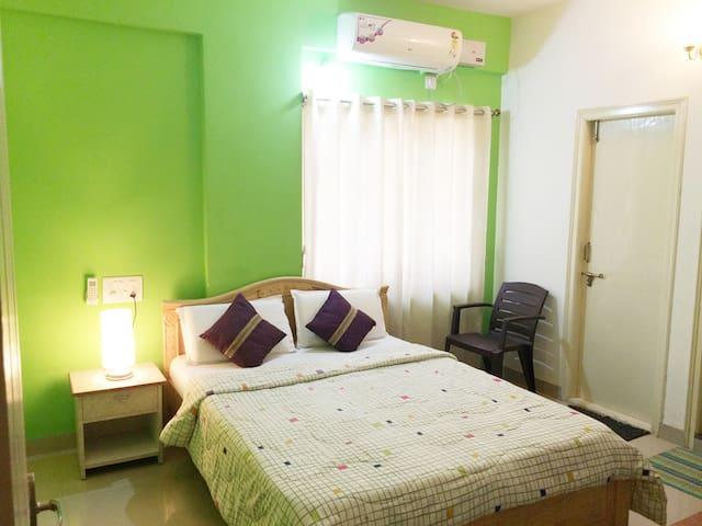3 Bedrooms Luxury Flat (Running 80% discount)