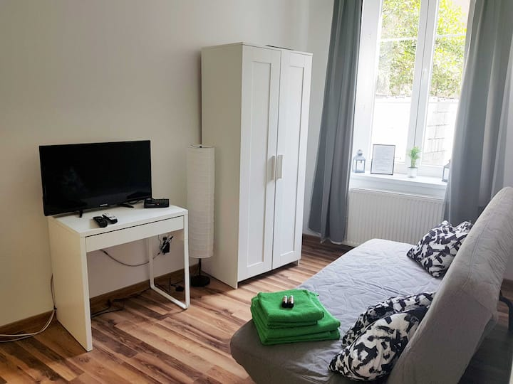 Double room with private bathroom in City Center