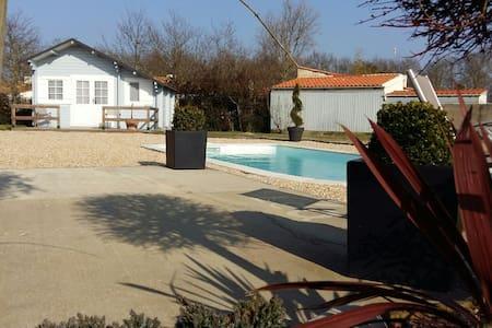Chalet tout confort 24km des plages - La Garnache - Chalet