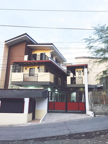 NICE 2 Bedrooms in Muntinlupa Near Shopping Malls - Muntinlupa - Daire