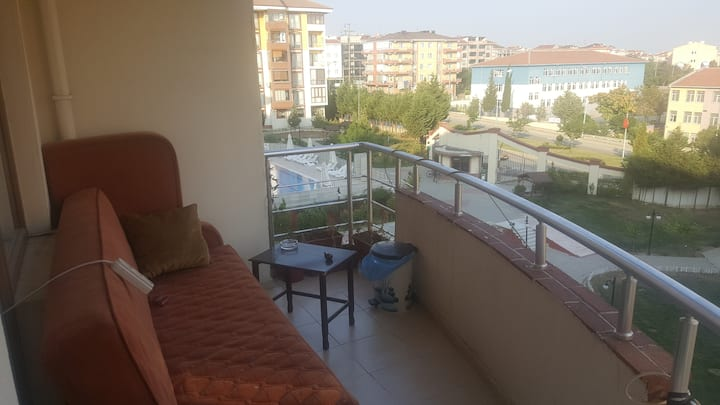 Central and with pool apartment/Çorlu