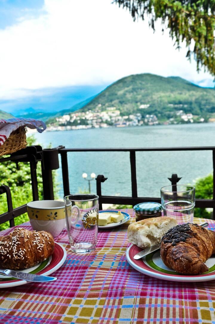 A cosy place directly at Lago di Lugano
