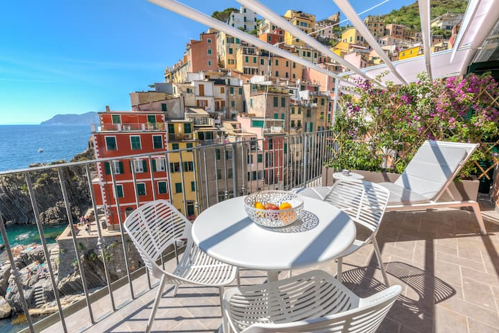 The First - Luxury Suite At Penthouse Riomaggiore