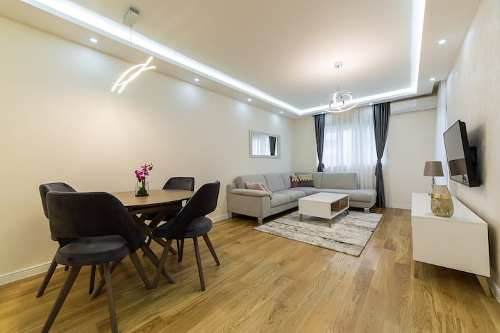 Central Point Apartment 2