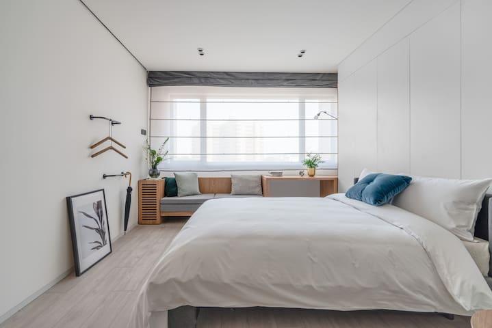 房间卧室(床为1.5米宽)/Bedroom(1.5m width bed)/无法加床(cannot add extra bed)