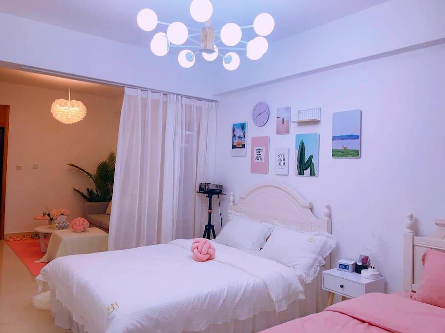 卧室两张大床