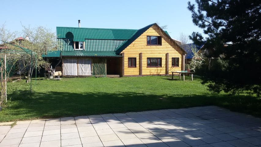 Дом -бунгало в центре города - Kostroma