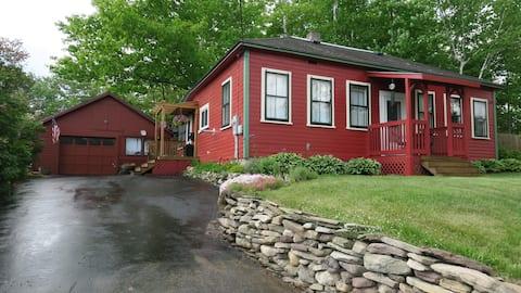 White Mountain Trailhead Cottage
